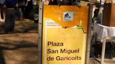 Festejos en la Plaza Garicoits del barrio de Colegiales