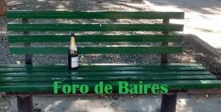 El mensaje de las fiestas en un banco solitario