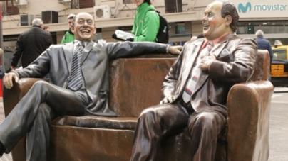 La ciudad volvió a colocar las estatuas de Alberto Olmedo y Javier Portales