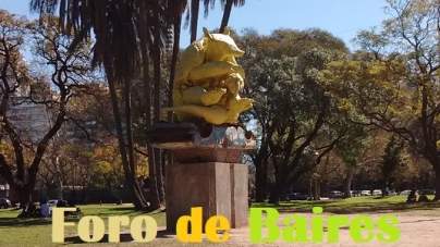 """La escultura """"Hito de frontera"""", de Carlos Huffman"""
