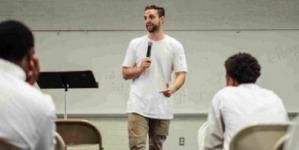 Colombo: 8 Trucos de oratoria para eliminar tus muletillas