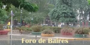 Plaza Güemes bajo la lluvia intensa