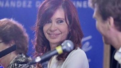 """Cristina Fernández estuvo en la Feria del Libro: """"Es necesario un contrato social de ciudadanía responsable"""""""