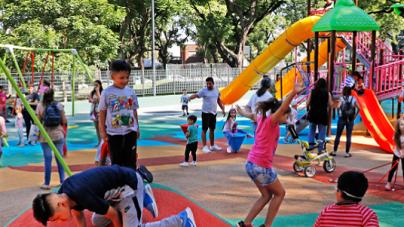 Los chicos ya comenzaron a votar en la Ciudad: eligen los nombres de los patios de juego