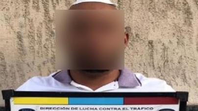 """La Policía de la Ciudad detuvo a un """"dealer delivery"""" venezolano con once dosis de cocaína en Recoleta"""