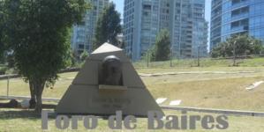 El Monumento a Juan B. Justo emplazado en Av. Bullrich y Av. Santa Fé